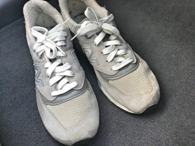 ニューバランスのスニーカーを洗濯した後はキレイになる