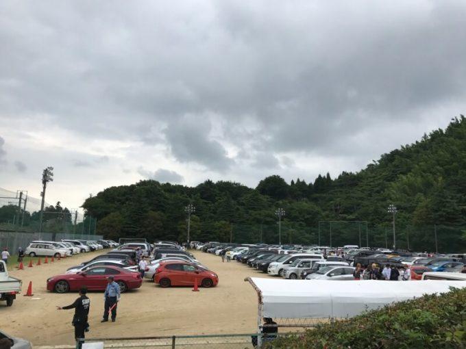 朝9:00ごろの駐車場
