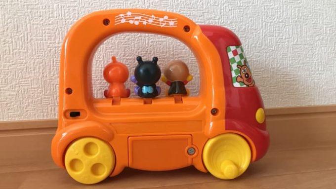 ベビラボ アンパンマン ころころメロディバスの裏面