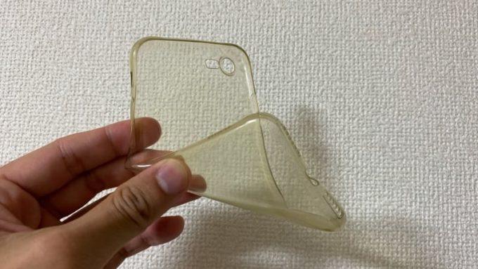 iphone7で使用したTPU素材のふにゃふにゃソフトケース
