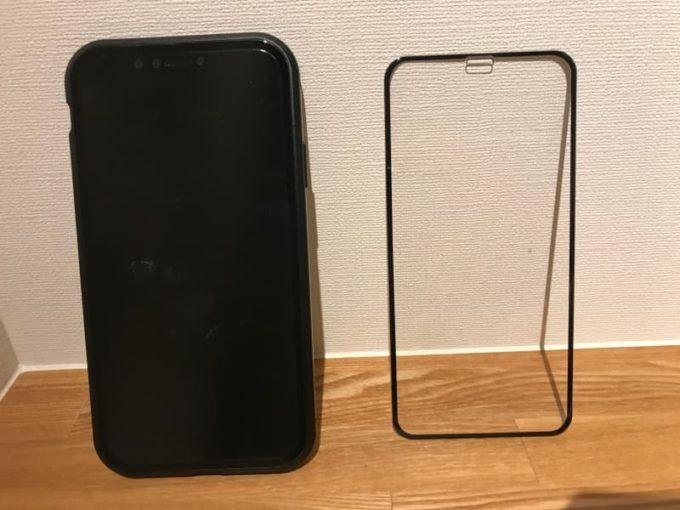 リスカイ スカイケース iPhoneのガラスフィルムを剥がして装着