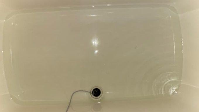 浴槽に20リットルの水を張る