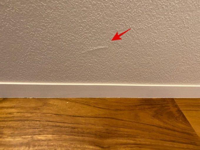 新築 施主検査のチェック箇所 クロス(壁紙)のふくらみ