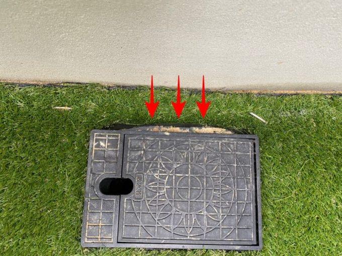 新築 施主検査のチェック箇所 人工芝の仕上げ不良
