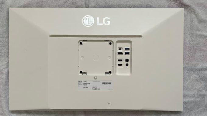 LG 27UK850-Wのモニター本体