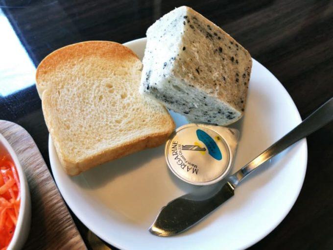 ヴェーレンカフェのランチのパン